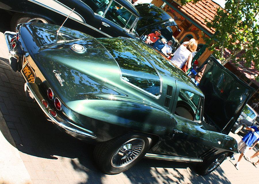 pretty_corvette_by_stalliondesigns-d48c73i
