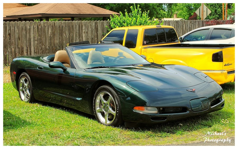 very_dark_green_corvette_convertible_by_theman268-d50544n